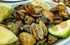Portuguese Bulhão Pato Clams Recipe