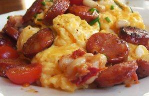 Portuguese Chouriço (Sausage) Scrambled Eggs Recipe
