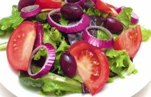 Portuguese Mixed Green Salad Recipe