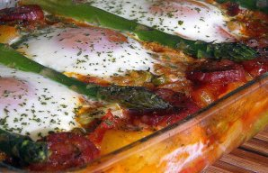 Portuguese Baked Eggs with Ham & Chouriço Recipe