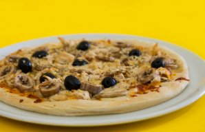 Portuguese Style Chicken & Mushroom Pizza Recipe