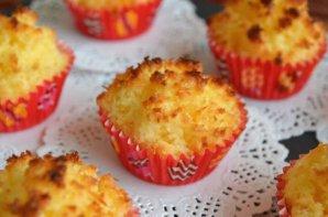 Portuguese Coquinhos (Coconut Cupcakes) Recipe
