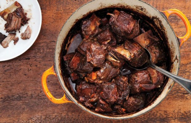 How to make Portuguese braised short ribs.
