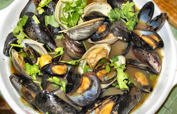 How to make Portuguese style mussels.