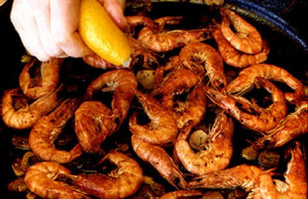 How to make Portuguese Shrimp on the griddle.