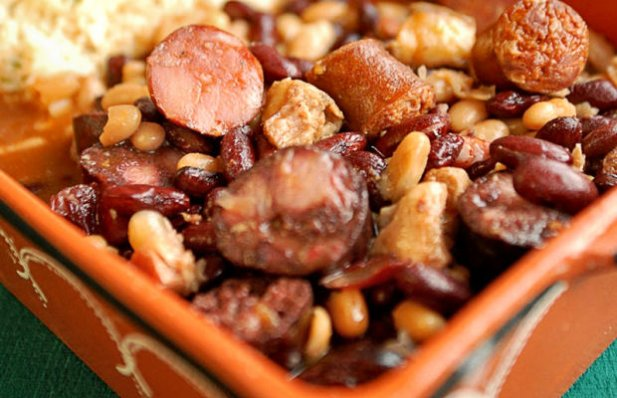 How to make Portuguese feijoada.
