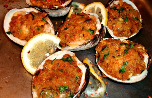 Portuguese Chouriço Stuffed Clams Recipe