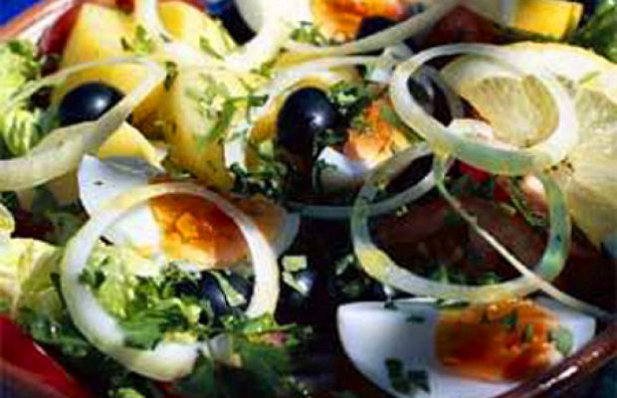 How to make Portuguese salad (Salada Portuguesa).
