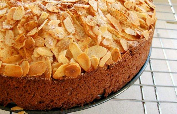 Portuguese Almond Apple Cake Recipe - Portuguese Recipes