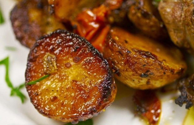 Portuguese Roast Potatoes with Tomatoes Recipe