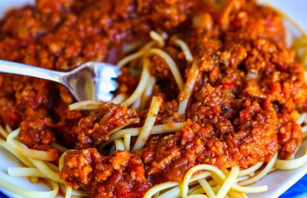 Portuguese Style Chouriço Spaghetti Recipe - Portuguese Recipes