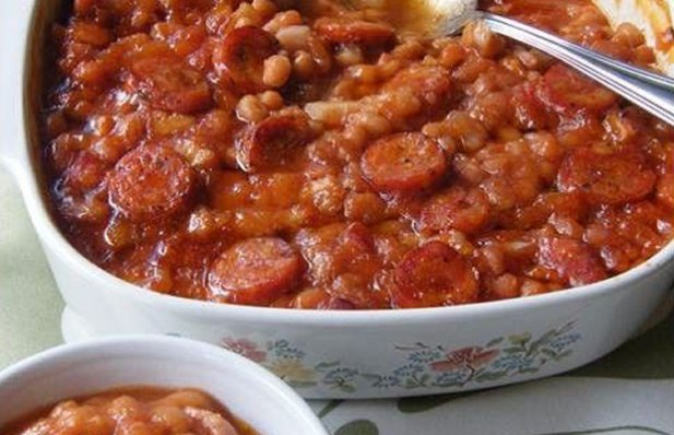 Portuguese style sausage baked beans is amazing food, use hot chouriço saugage for an extra kick.