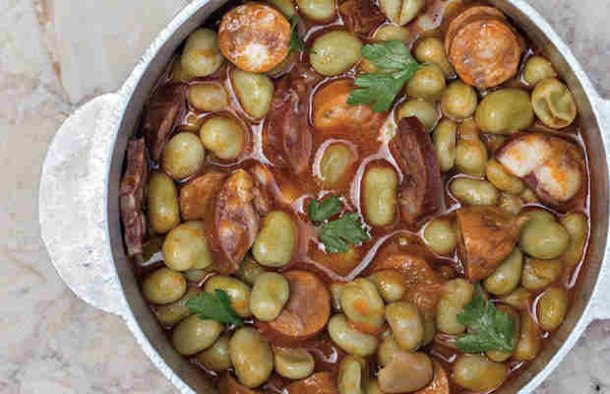 Nobody can resist this delicious Portuguese green fava beans stew with chouriço sausage.