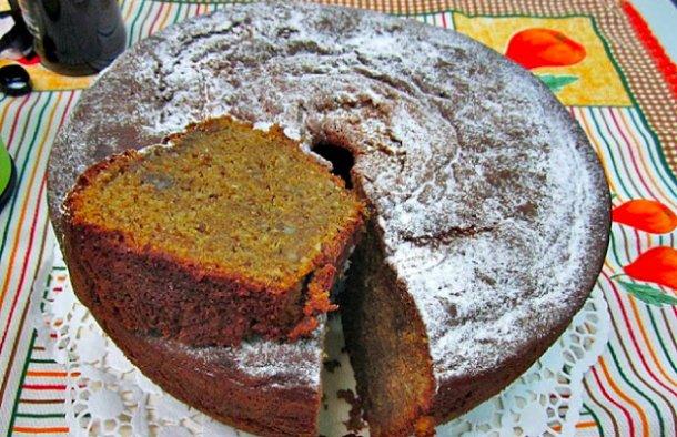 Honey Cake with Fruit Recipe - Portuguese Recipes