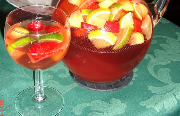 This Portuguese rosé sangria drink recipe makes a very delicious and refreshing drink for a warm day.