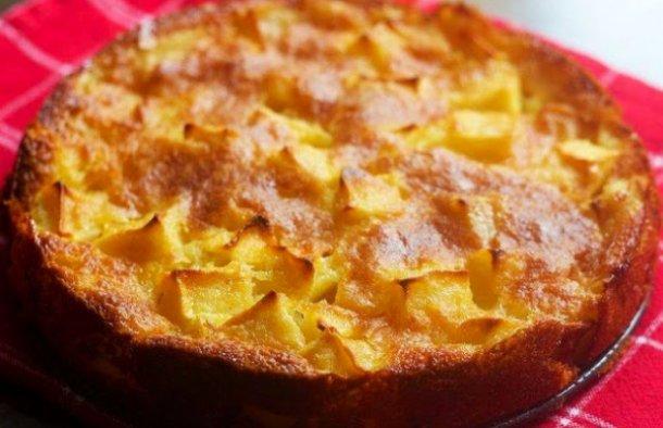 Portuguese Easy Apple Cake Recipe - Portuguese Recipes