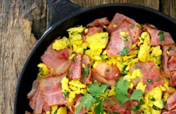 Portuguese Scrambled Eggs with Bacon Recipe
