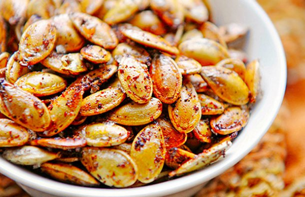 These Portuguese style roasted pumpkin seeds make a great snack (petisco), perfect for when you are enjoying a glass of wine or a cold beer.
