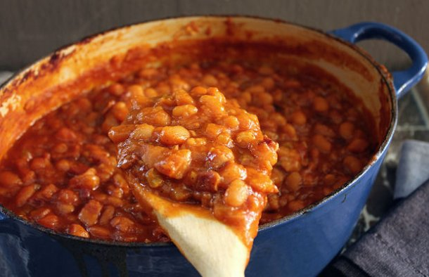 Confort food at it's best, this Portuguese baked pork & beans recipe is very easy to prepare and makes a great meal.