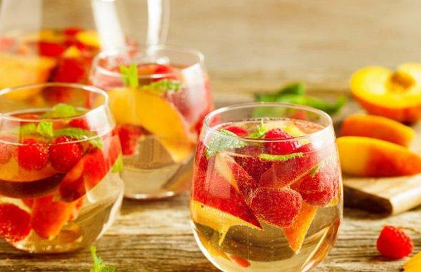 Portuguese Champagne Sangria Recipe