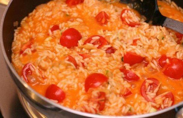 Portuguese Tomato Rice (Arroz Malandro) Recipe