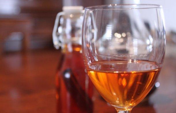 Portuguese Cinnamon Liqueur Recipe