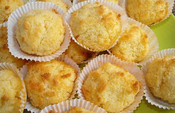 Portuguese Easy Coconut Cupcakes Recipe