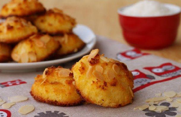 Portuguese Coconut & Almond Cookies Recipe