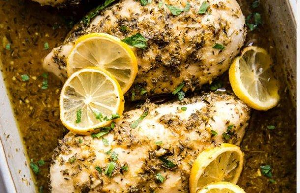 Quick & Delicious Lemon Chicken Recipe - Portuguese Recipes
