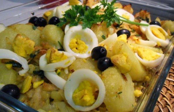 Portuguese Bacalhau à Gomes de Sá Recipe  - Portuguese Recipes