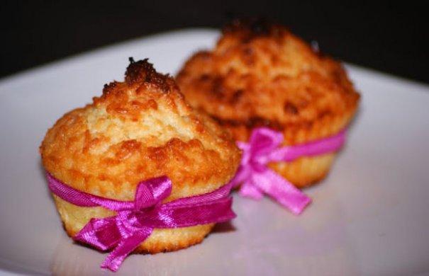 Babalu's Simple Coconut Cupcakes Recipe