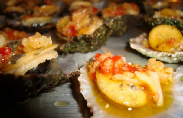 Portuguese Grilled Limpets with Garlic Butter Recipe - Portuguese Recipes